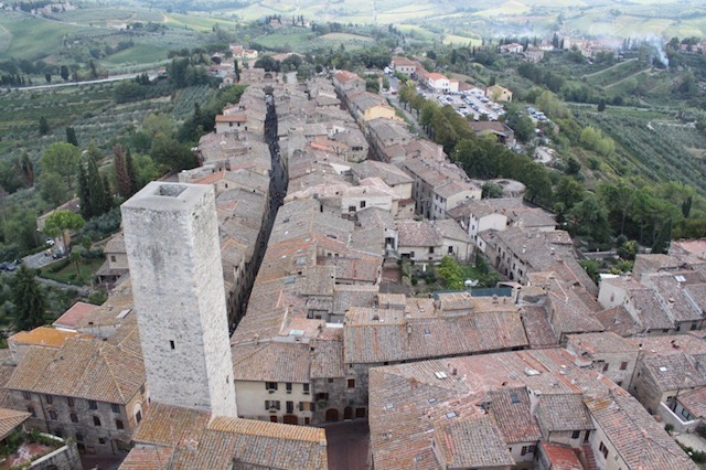 "<p style=""text-align:center;"">San Gimignano - the tower city</p>"