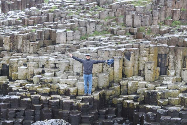 "<p style=""text-align:center;"">Giant's Causeway</p>"